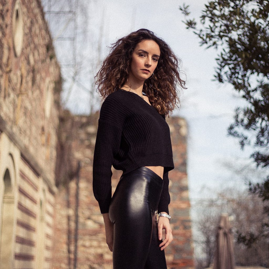 Diversity of the life in Galata streets with Nilsu, jan 2019 - Galata Istanbul. Fashion portrait moda portre fotoğraf çekimi fotoğrafçısı