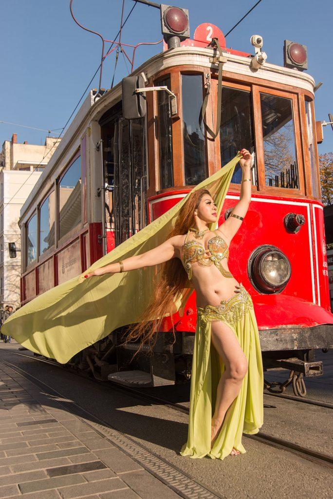 Melete belly dancer